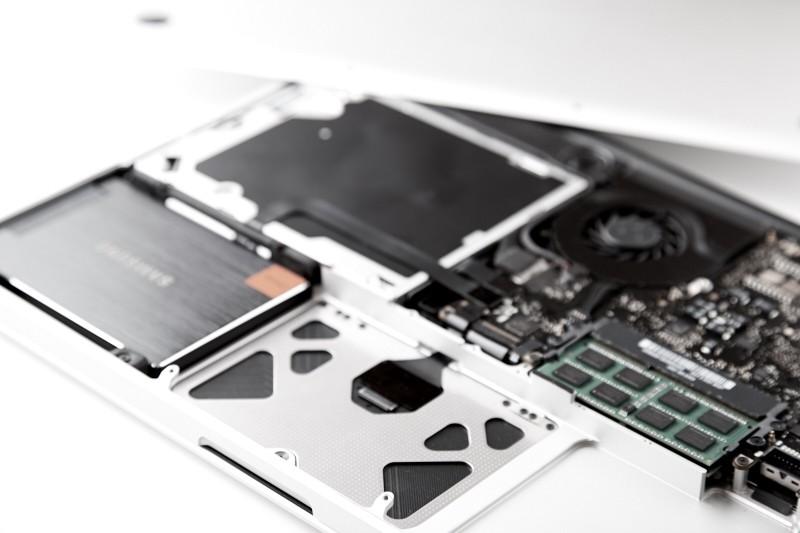 MacBookPro-004
